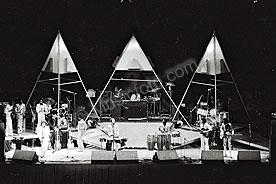 Earth Wind & Fire ewf-2.jpg