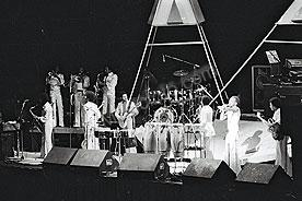 Earth Wind & Fire ewf-3.jpg