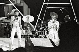 Earth Wind & Fire ewf-5.jpg