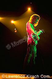 Van Halen vh90.jpg